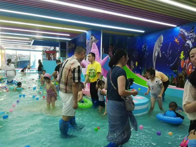 庆祝格尔木室内恒温儿童水上乐园开业大吉